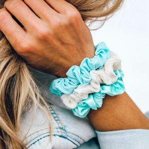Pura Vida Wave Scrunchie Set of 3 Blue White Teal